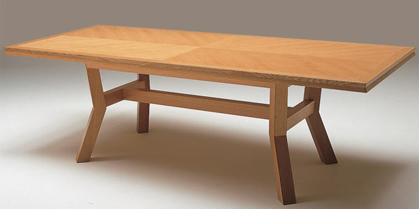Обеденный стол Conde House — Akimbo Dining Table