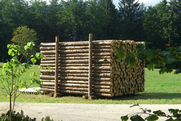 Маскировка дома под дрова — Yeta Log Cabin