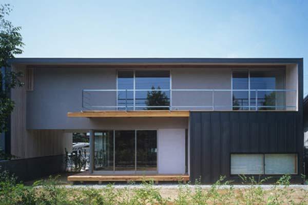 Современный средне бюджетный дом в Японии