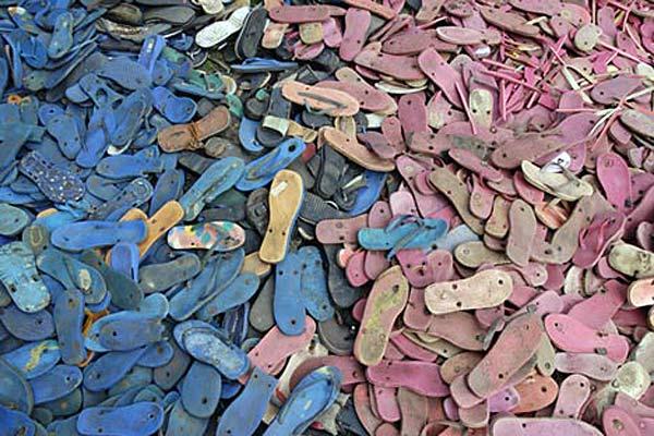 Светильники из пляжных шлепанцев Flip Flop Story.