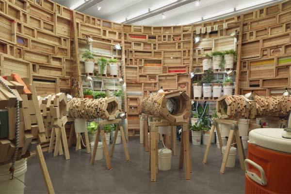 Инсталляции мебельного дизайнера Phoebe Washburn.