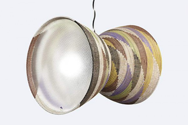 Светильники африканского плетения в США.