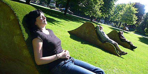 Гармонирующие с природой шезлонги для парков в Нидерландах