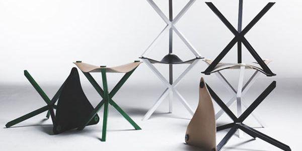 Табурет и стол на птичьей ноге