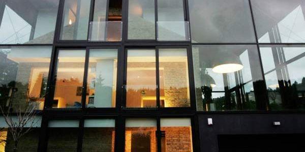 Вариант сохранения архитектурного артефакта под стеклом