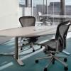 Какой видит офисную мебель Henrik Tengler