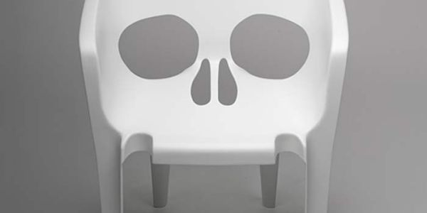 Зловещий стул — Souviens toi que tu vas mourir