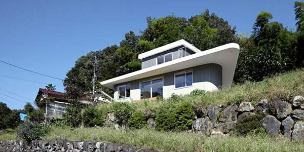 Японский дом на горе — Sunbrella House