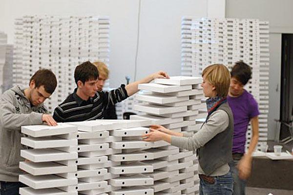 Пицца и дизайн рабочих мест