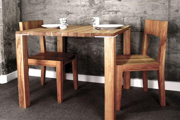 Обеденный стол MASH Studios — Edge Square Table