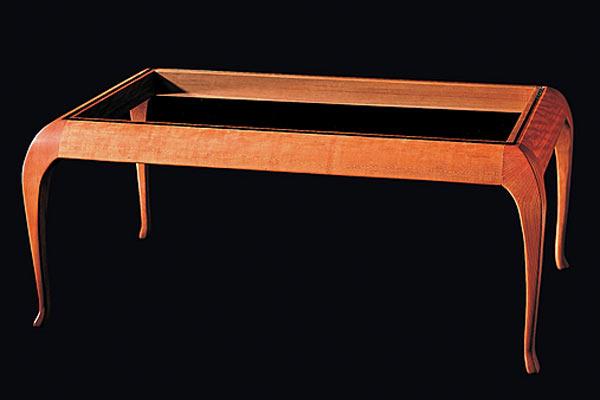 Кофейный столик Shackleton Thomas — classic cabriole coffee table