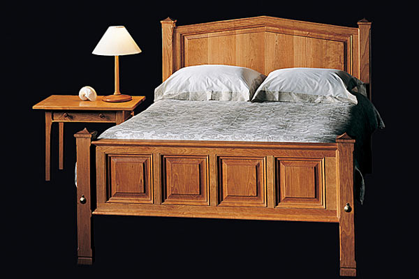 Кровать Shackleton Thomas tuscan bed