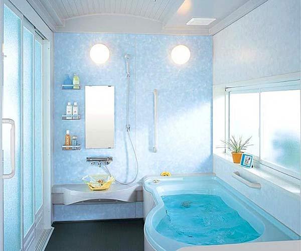 Дизайн компактной ванной комнаты от INAX.