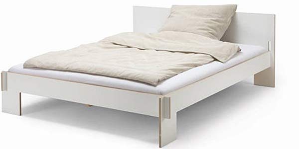 Разборная кровать Siebenschlafer with headboard.