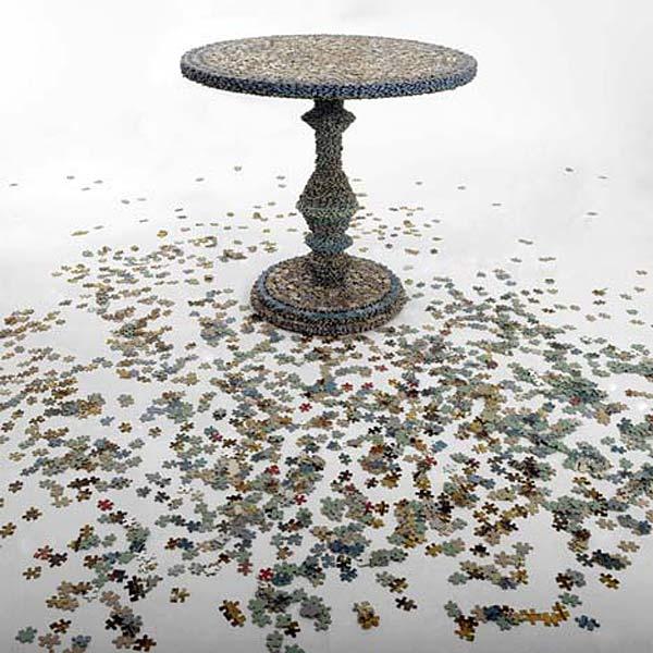 Мебель из пазлов Missing Pieces.