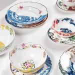 Восток и Запад в наборе посуды Hybrid Collection.